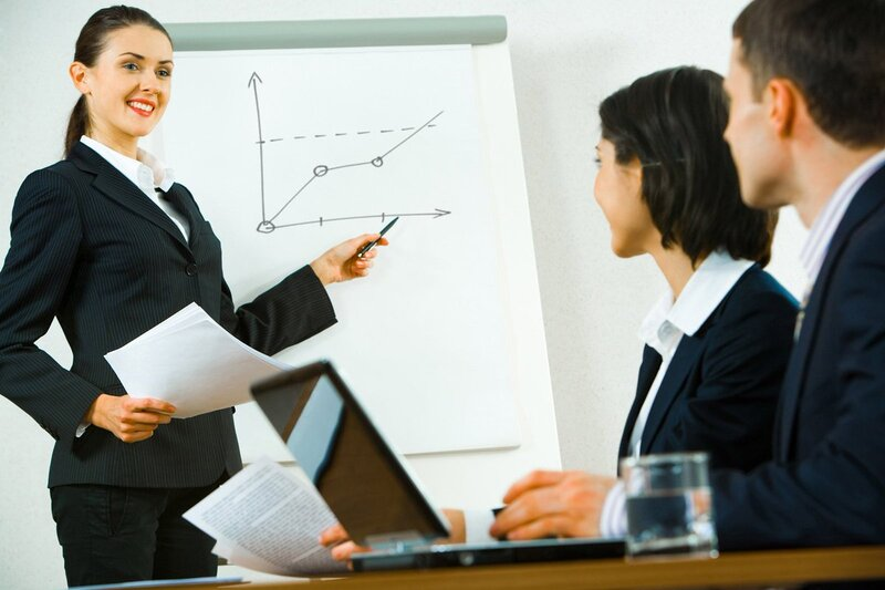 2 направления карьерного роста менеджера по продажам